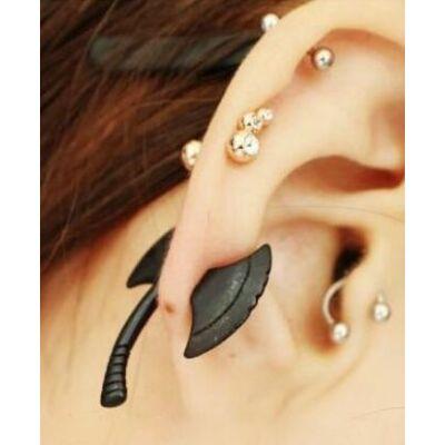 Balta fülbevaló