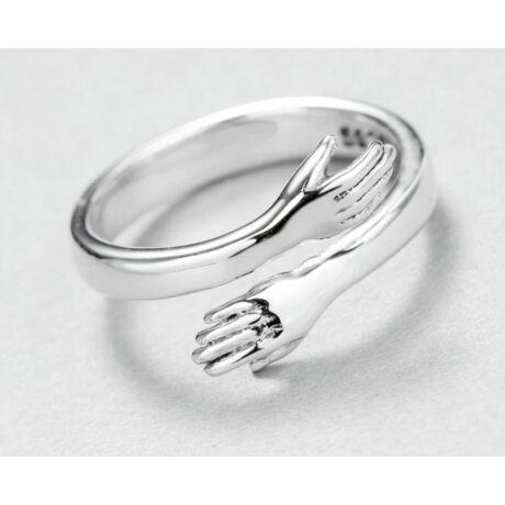 Ujjat átölelő gyűrű