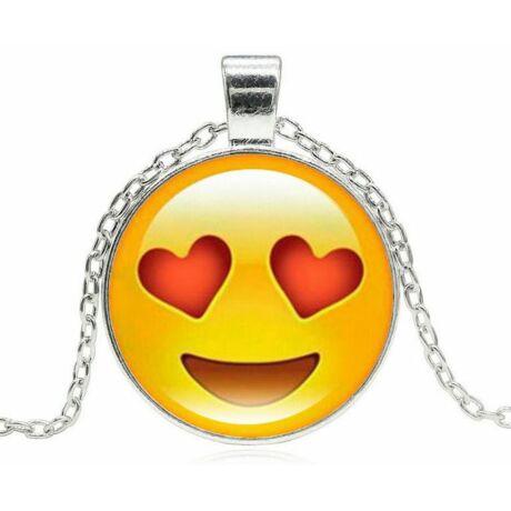 Smiley nyaklánc szívekkel