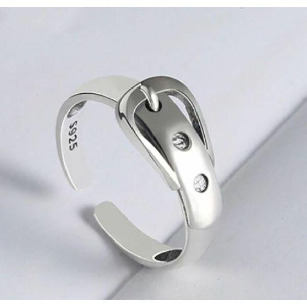 Öv alakú gyűrű