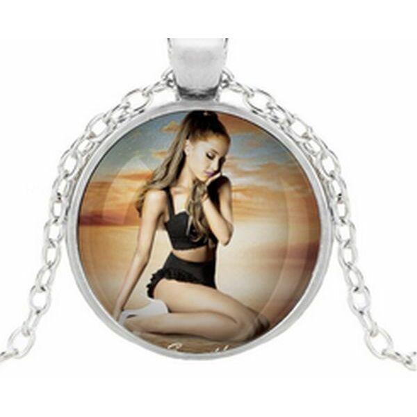 Ariana Grande nyaklánc