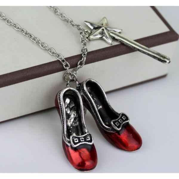 Alice csodaországban piros cipellők nyaklánc