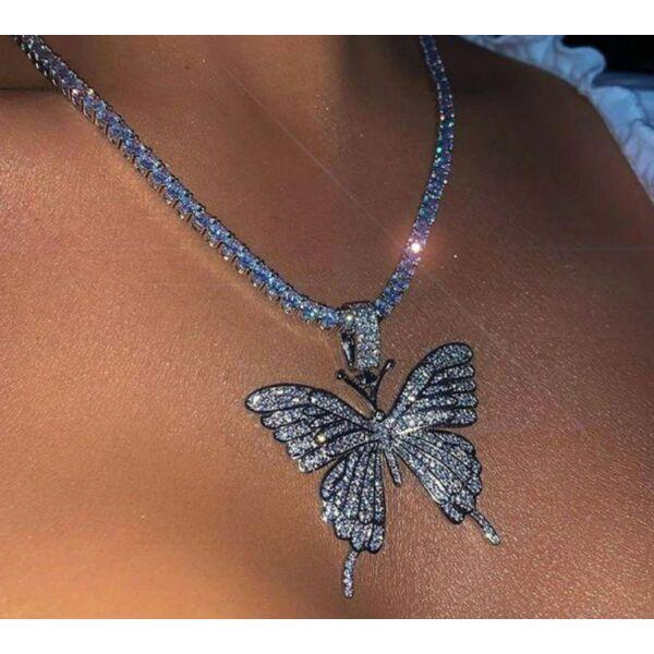 Strasszköves pillangós nyaklánc
